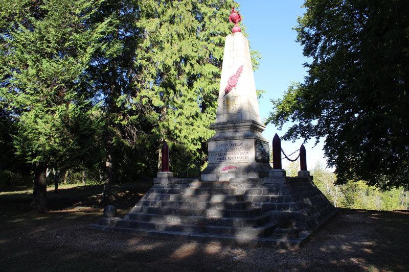 Monument du Coq- crête des Eparges